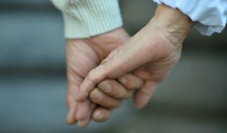 In Hannover ist am Mittwochabend ein älteres Ehepaar unter noch nicht geklärten Umständen getötet worden. (Foto)