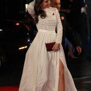 Herzogin Kate mit Mega-Beinschlitz! Ist DIESES Outfit zu gewagt? (Foto)