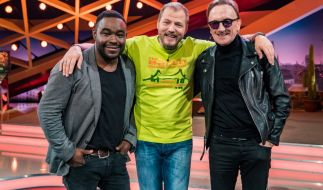Mario Barth (Mitte) und seine Studiogäste Nelson Müller (links) und Marius Müller-Westernhagen (rechts). (Foto)