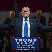 Trump entgeht nur knapp einem Attentat (Foto)