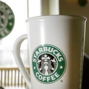 Starbucks-Becher löst Shitstorm aus (Foto)