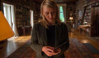 """Nora Weiss (Anna Maria Mühe) gerät im neuen TV-Krimi """"Solo für Weiss (2): Die Wahrheit hat viele Gesichter"""" in Gefahr. (Foto)"""