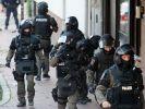Seit Mittwochmorgen sind mehr als 1000 Polizisten im Einsatz gegen Rocker-Kriminalität (Symbolbild). (Foto)