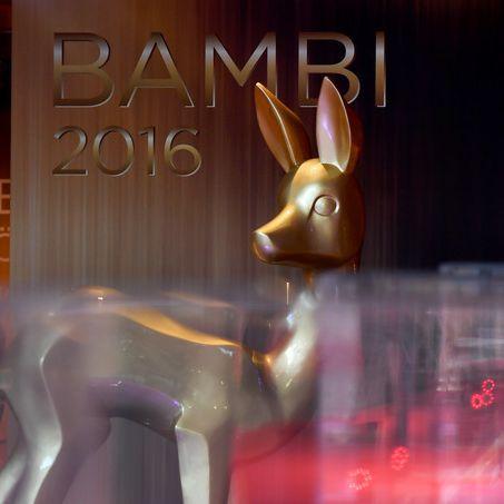 Gerührte Stars, politische Botschaften - Das alles gab's bei der Gala in Berlin (Foto)