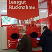 Betrüger ergaunert 44.000 Euro mit einer Pfandflasche (Foto)