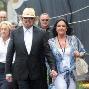 Barry Gibb mit seiner Ehefrau Linda Gray.