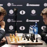 Remis in 11. Partie zwischen Carlsen und Karjakin (Foto)