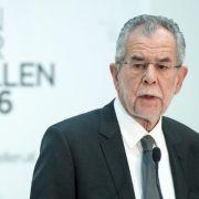 Mieser Hitler-Vergleich! FPÖ ätzt gegen Van der Bellen (Foto)