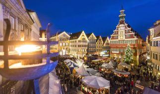 Mit über 200 Marktständen und mehr als 500 kulturellen Programmpunkten ist der Esslinger Mittelalter- und Weihnachtsmarkt einer der größten Weihnachtsmärkte der Region. (Foto)