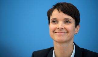 Darf sich derzeit über regen Zuspruch aus Sachsen freuen: AfD-Chefin Frauke Petry. Einer aktuellen Umfrage zufolge würde ein Viertel aller Freistaatler für die Alternative stimmen. (Foto)