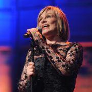 Für Sängerin Mary Roos lief es genau andersrum: Aus deutsch wurde englisch. Eigentlich heißt sie Rosemarie Böhm.
