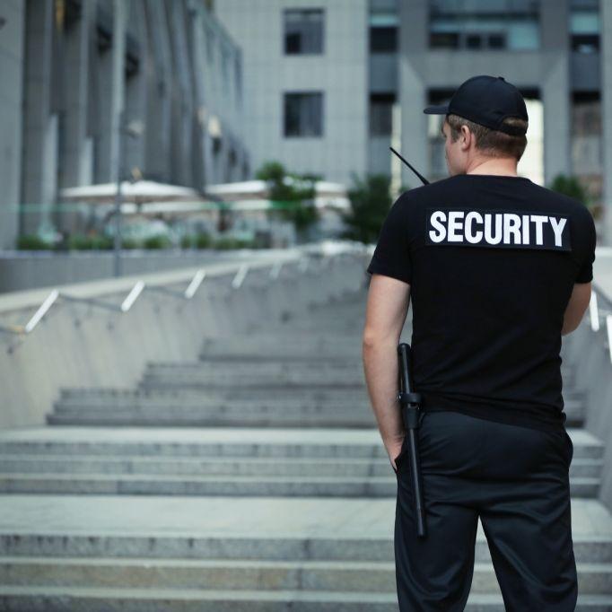 Security-Männer bezahlten Mädchen (13) für Sex (Foto)