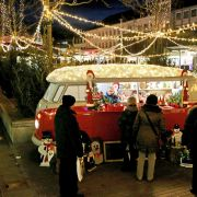 Advent in der Autostadt! Wo der Bulli zur Marktbude wird (Foto)