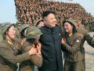 Kim, der Frauenheld. Nicht jeder Untertan scheint ein so gutes Bild von dem nordkoreanischen Diktator zu haben. (Foto)