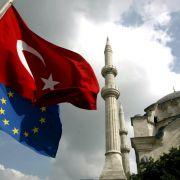 Beitrittsgespräche mit Türkei einfrieren (Foto)