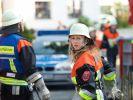 Marie (Christine Eixenberger) bei ihrem ersten Einsatz mit der Freiwilligen Feuerwehr von Wildegg. (Foto)