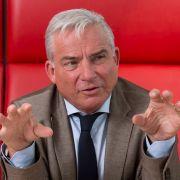Geheim! CDU-Innenminister fordert knallharte Abschiebung (Foto)