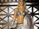 Britney Spears als schwertschwingende Amazone? Diese Verkleidung erinnert leider nur an eine Rolle Alufolie... (Foto)