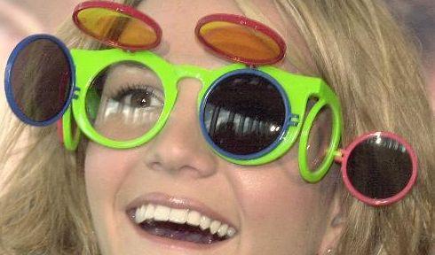 Dass Britney Spears nicht immer den absoluten Durchblick hat, wenn es um die Auswahl ihrer Garderobe geht, beweist so mancher peinliche Schnappschuss... (Foto)
