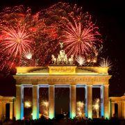 Den Jahreswechsel in deutschen Metropolen feiern (Foto)