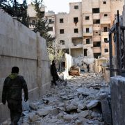 16.000 Menschen in Aleppo durch Angriffe vertrieben (Foto)