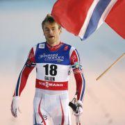 Der wohl erfolgreichste Langläufer mit 13 Goldmedaillen bei Weltmeisterschaften ist der Norweger Petter Northug. Abseits der Loipe machte er 2014 mit einer Alkoholfahrt mit 1,65 Promille negative Schlagzeilen.