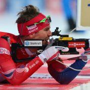 Treffsicher ist der norwegische Biathlet Emil Hegle Svendsen. Er hat bisher fünf olympische Medaillen und zwölf Weltmeistertitel auf seinem Konto stehen.