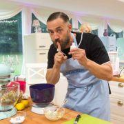 Promi-Spezial! Diese Promi-Hobby-Bäcker backen um die Wette (Foto)