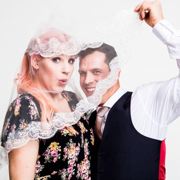 Als Wiederholung: So war die Traum-Hochzeit von Basti und Paula (Foto)