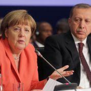 Merkel will Beitrittsverhandlungen mit der Türkei stoppen (Foto)