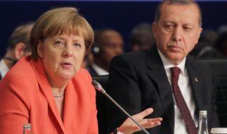 Bundeskanzlerin Angela Merkel (CDU) und der türkische Staatspräsident Recep Tayyip Erdogan beim UN-Nothilfegipfel am 23. Mai in Istanbul. (Foto)