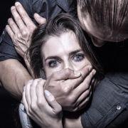 Schminken Sie häusliche Gewalt doch einfach weg! (Foto)