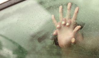 Lehrerin hat mit Schüler Sex im Auto (Foto)