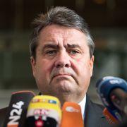 Gabriel: Merkel erkauft sich Rückhalt auf Rücken von Migrantenkindern (Foto)
