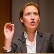 AfD-Frau gibt Merkel Schuld an Freiburger Sex-Mord (Foto)