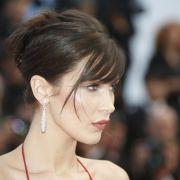 Heiß! Victoria's-Secret-Model zeigt sein Nippel-Piercing (Foto)