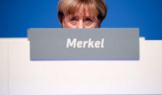 Ein SPD-Politiker wird Bundeskanzlerin Angela Merkel derzeit zunehmend gefährlich. (Foto)