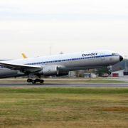 Flieger landet wegen Schlaganfalls an Bord - Fluggäste protestieren (Foto)