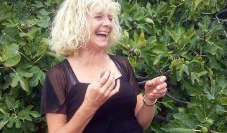 Irene bei der Feigenernte auf Teneriffa. (Foto)