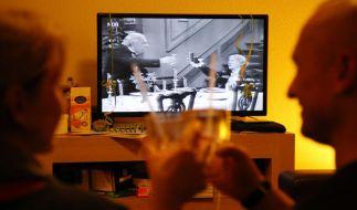 """""""Dinner for One"""" gehört für viele zum festen Silvester-Programm. (Foto)"""