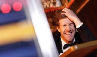 """Luke Mockridge präsentiert in """"Luke! Das Jahr und ich"""" einen etwas anderen Jahresrückblick. (Foto)"""