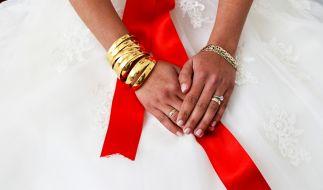 In der Türkei gibt es nun eine Ehebroschüre mit äußerst bizarren Sextipps. (Foto)