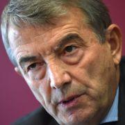 Ex-DFB-Präsident Niersbach tritt von allen Ämtern zurück (Foto)