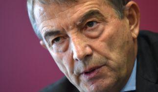 Wolfgang Niersbach zieht sich aus allen Ämtern zurück. (Foto)