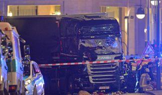 In Berlin ist ein Lastwagen in eine Menschenmenge gerast. Bislang starben mindestens zwölf Personen. (Foto)