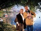 Hollywood-Diva Zsa Zsa Gabor und ihr Mann Prinz Frederic von Anhalt im Juni 1990 beim Urlaub am Genfer See. (Foto)