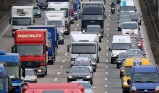 Autofahrer aufgepasst: Auch an den Weihnachtsfeiertagen kann es zu Staus kommen. (Foto)