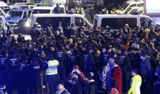 Männer mit nordafrikanischer Abstammung wurden von der Polizei kontrolliert. (Foto)