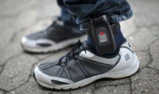 Seit 2011 gibt es die Fußfessel-Überwachung in Deutschland. (Foto)