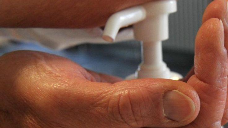 Mit häufigem Händewaschen kann man sich vor dem Norovirus schützen. (Foto)